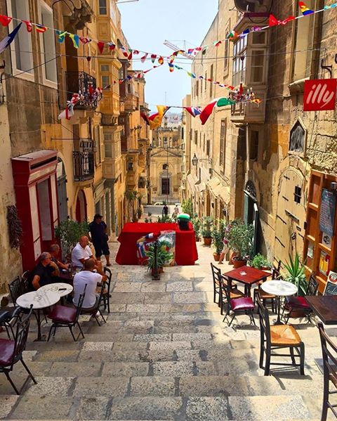 valletta-pretty-street